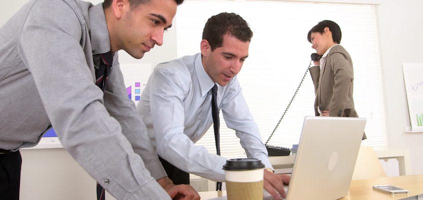 Ergonomia e Produtividade – A importância dos móveis para seu escritório